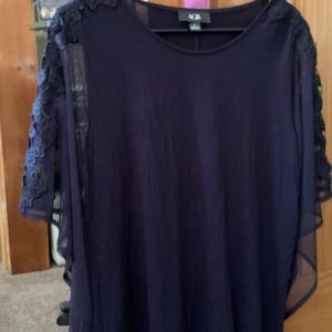 AGB dressy navy blouse size large new with tags